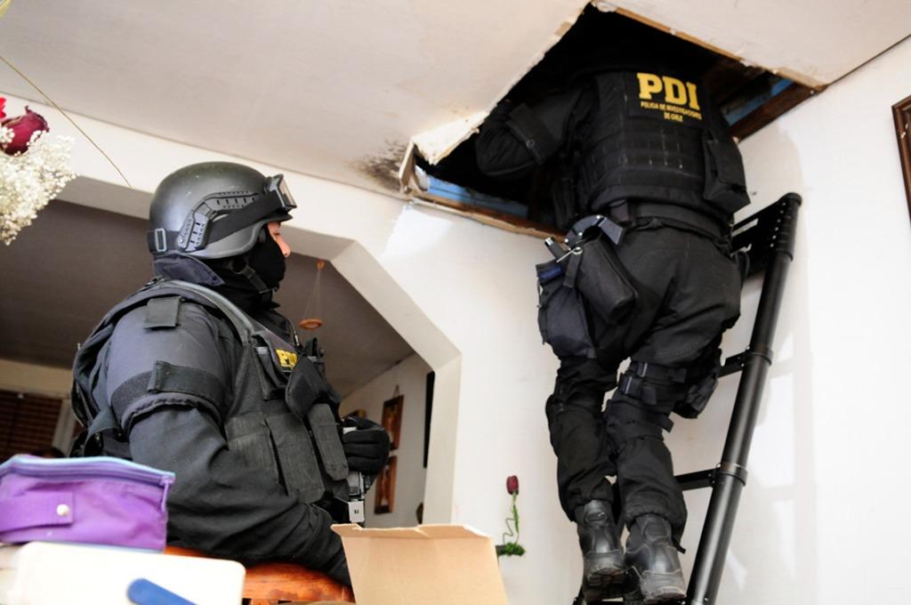 PDI DETIENE A CLAN FAMILIAR DEDICADA A LA VENTA DE DROGAS EN SANTA BÁRBARA.