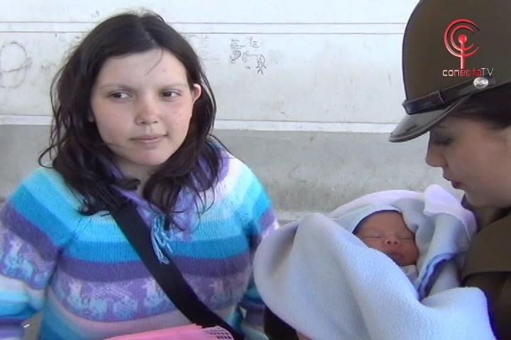 Carabineros salvó a madre que dio a luz a su bebé en casa