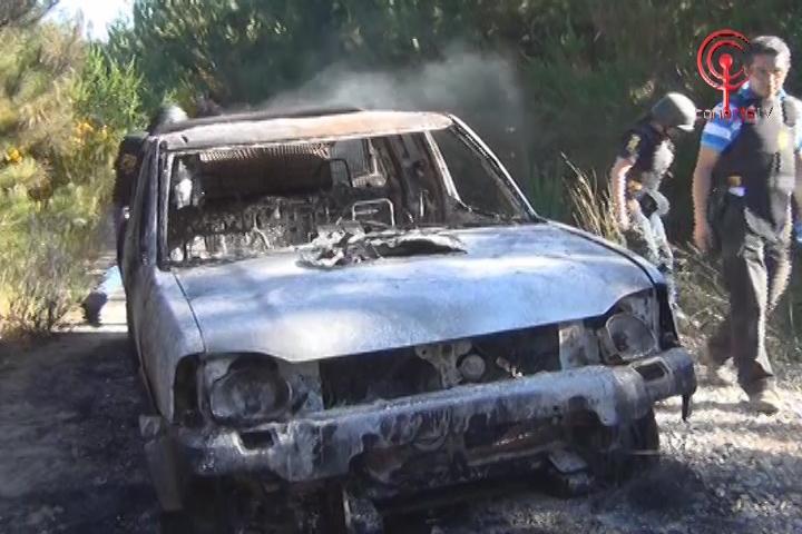 Encapuchados asaltan camioneta Brinks y luego la quemaron