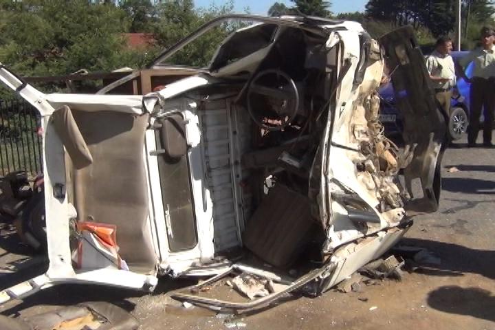 Colisión de camionetas dejó cuatro lesionados en Huillincó