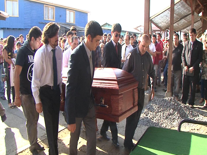 Tristeza se vivió en funeral de joven que murió tras ingerir té de floripondio