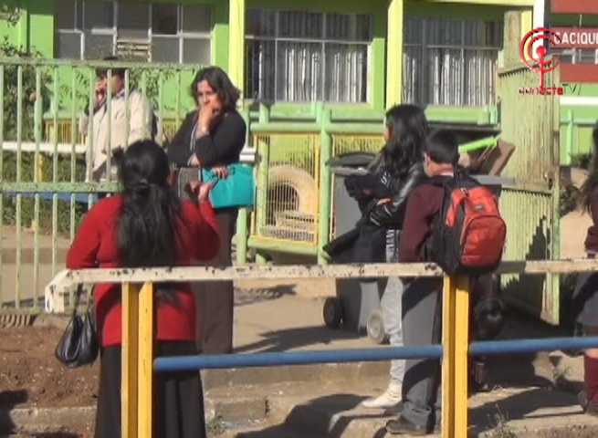 Apoderados de escuela de Pangueco denuncian que colegio no está apto para iniciar año escolar