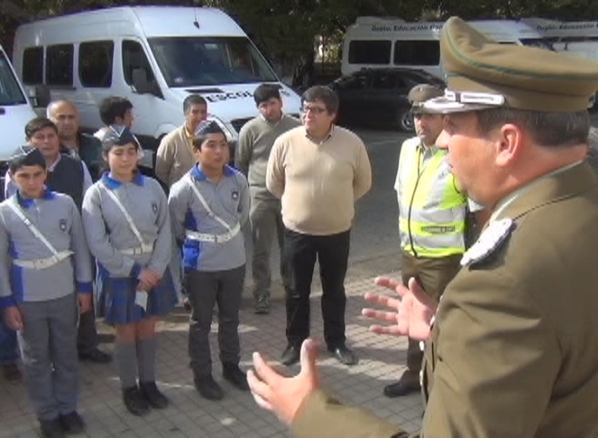 Carabineros fiscaliza transporte escolar en Cañete