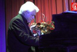 Concierto de pianista Roberto Bravo resaltó en conmemoración del día de la mujer en Cañete