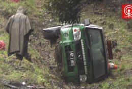Dos Carabineros heridos dejó volcamiento de furgón policial en Cañete