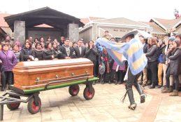 Multitudinario adiós le brindaron a joven profesional que murió en accidente de tránsito en Cañete