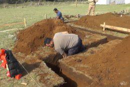 Parte construcción de conjunto habitacional para familias de comunidad cristiana en Huape.