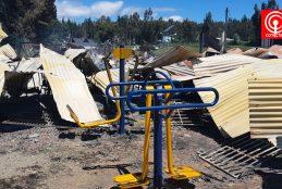 Fiscalía busca dar con los autores de la quema de una escuela y un jardín infantil en Tirúa.