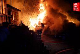Dolor y destrucción dejó voraz incendio en la población La Esperanza de Cañete.