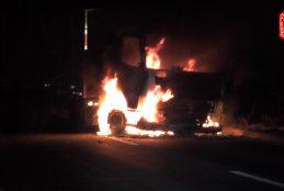 Nuevo ataque incendiario deja camión quemado en zona de Peleco en Cañete