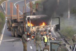 Encapuchados quemaron dos camiones en ruta Cañete – Contulmo.