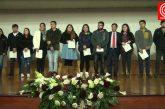 Más de 200 alumnos de enseñanza superior recibieron beca municipal en Cañete.