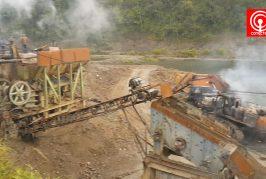 Encapuchados queman 3 camiones y 2 maquinarias en sector Trongol bajo en el límite de Los Álamos y Curanilahue